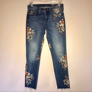 Blank NYC Skinny Classique Floral Jeans